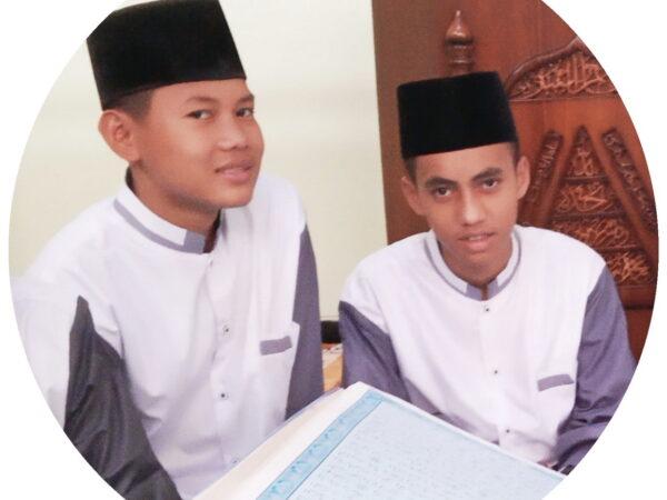 Santri Rumah Tahfidz Masjid Al-Muhtadin Lulusan Terbaik di Sekolah
